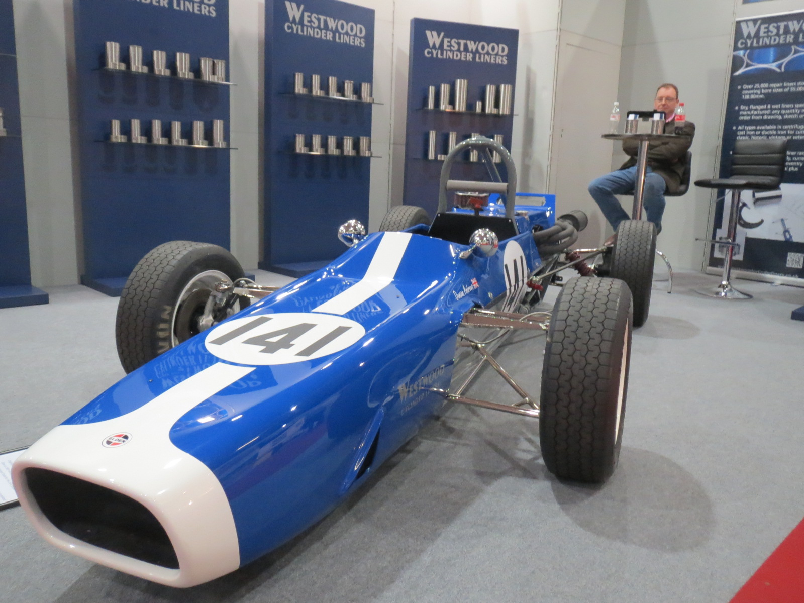 Duncan Andrew's immaculate and super rare Elden Formula Ford. You don't see many historic FFs with inboard suspension.