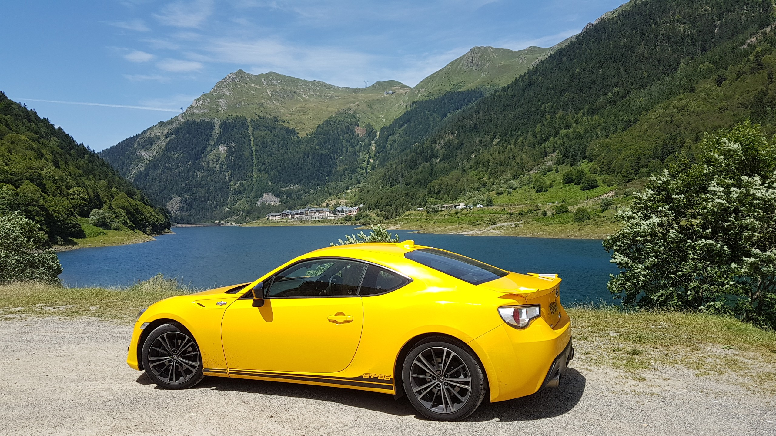 Toyota GT86 Giallo in the Pyrenees